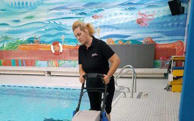 Schwimmbadreinigung – professionell und gründlich