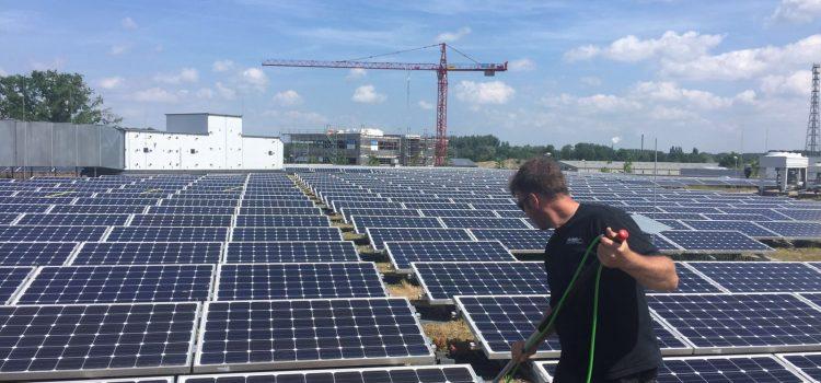 Glaa- und Solaranlagenreinigung im Frühjahr